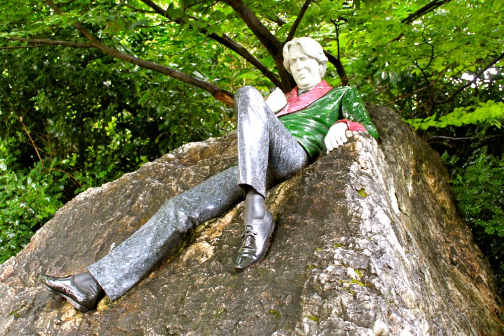 238 - Oscar Wilde statue at Merrion Square