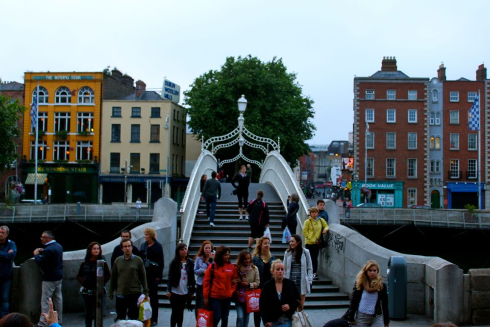 257 -Ha' Penny Bridge, Dublin