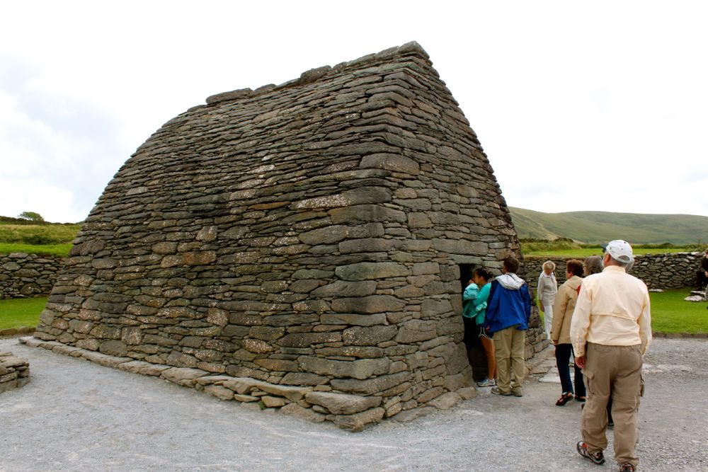 780 -Gallarus Oratory, Dingle Peninsula