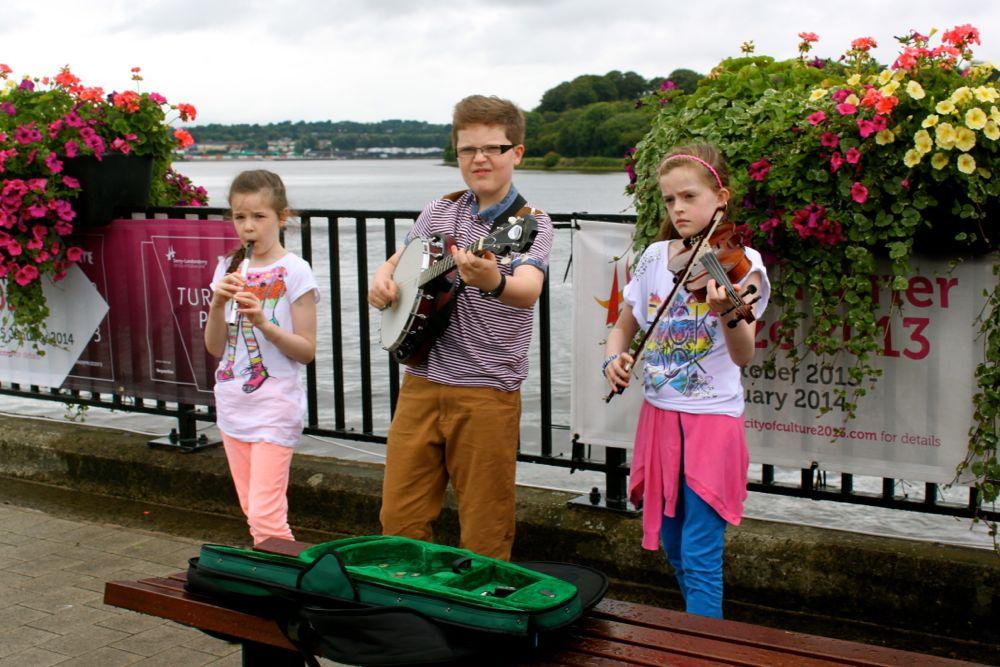 1196 -Kid musicians, Derry