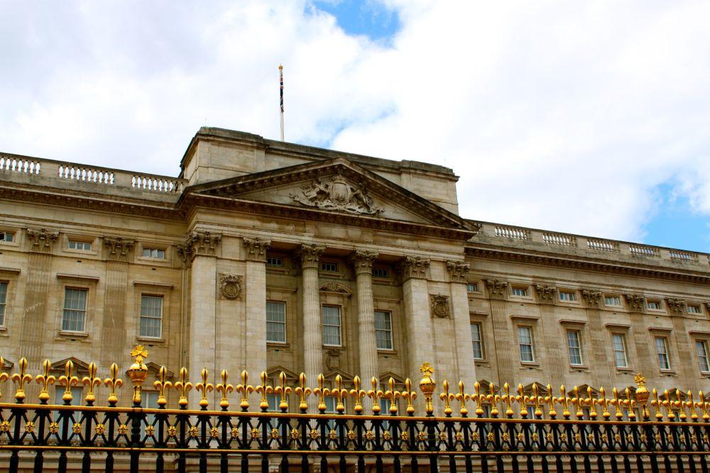 1453 -Buckinham Palace, London