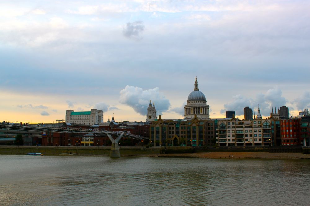 1511 -Millenium Bridge, London