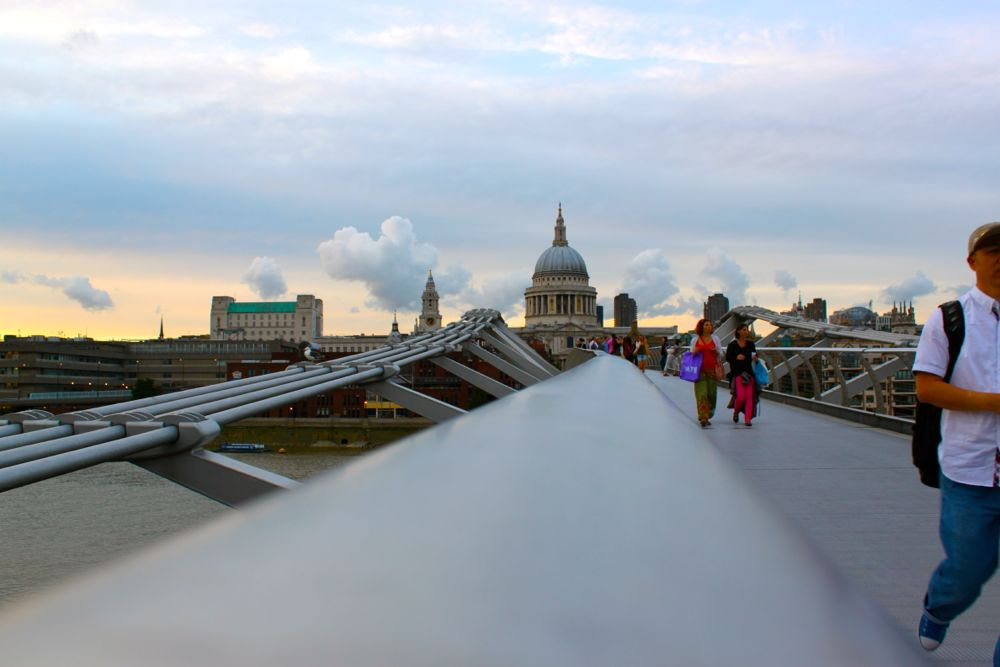 1513 -Millenium Bridge, London