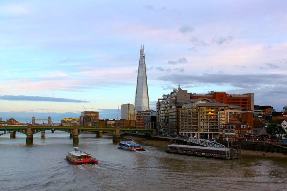 1517 -Millenium Bridge, London