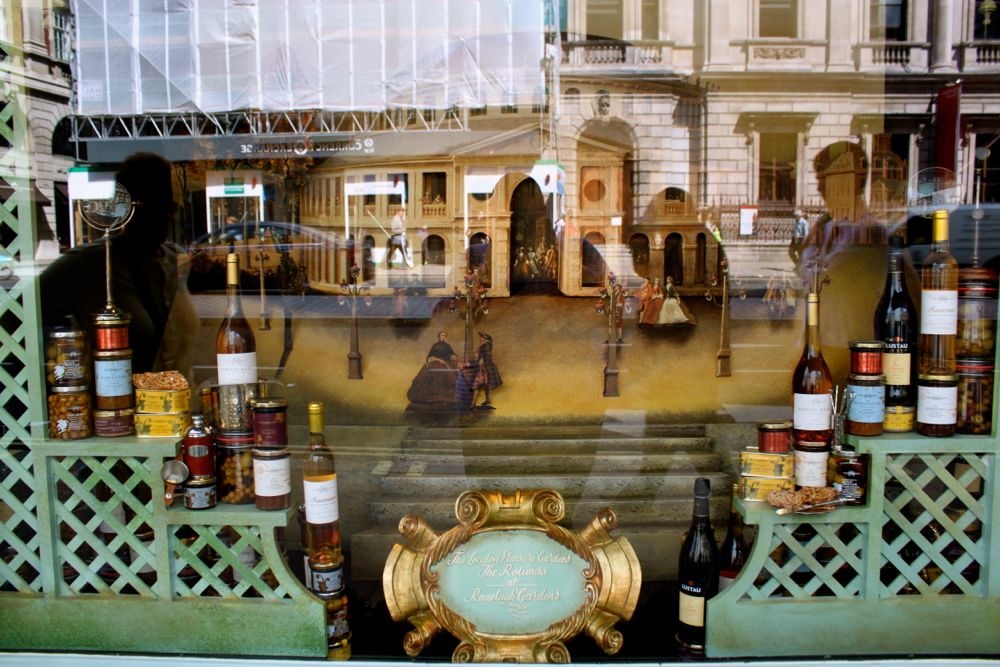 1698 - Fortnum & Mason, London