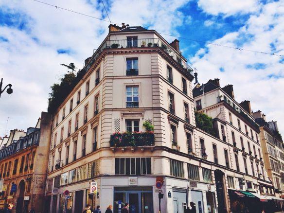 Paris at home on rue cler la vida laura for Cler hotel paris