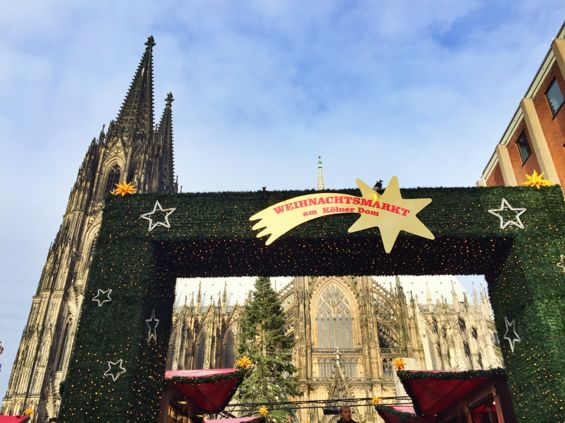 Cologne Cathedral Christmas Market1