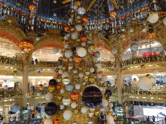 Galeries Lafayette Christmas Tree3