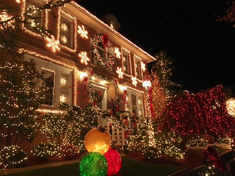 dyker-heights-christmas-lights2