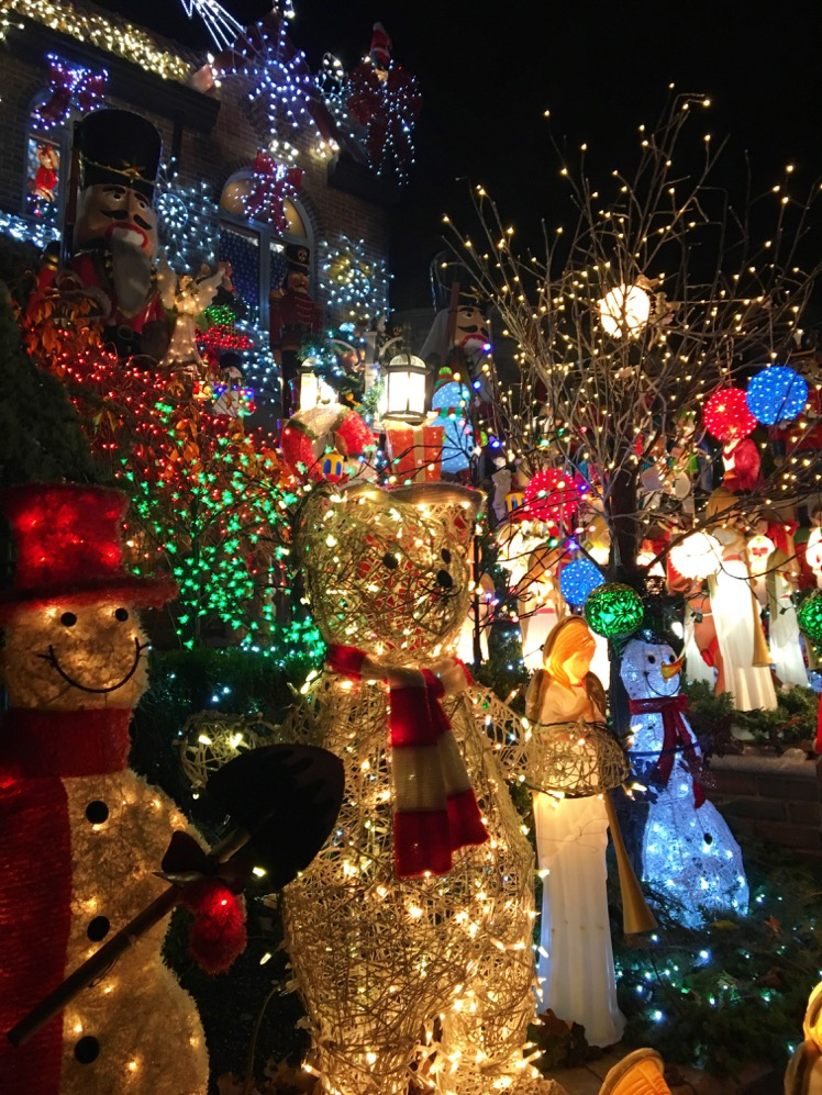 dyker-heights-christmas-lights5