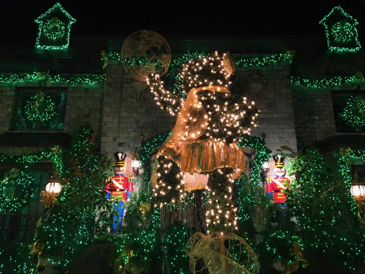 dyker-heights-christmas-lights9