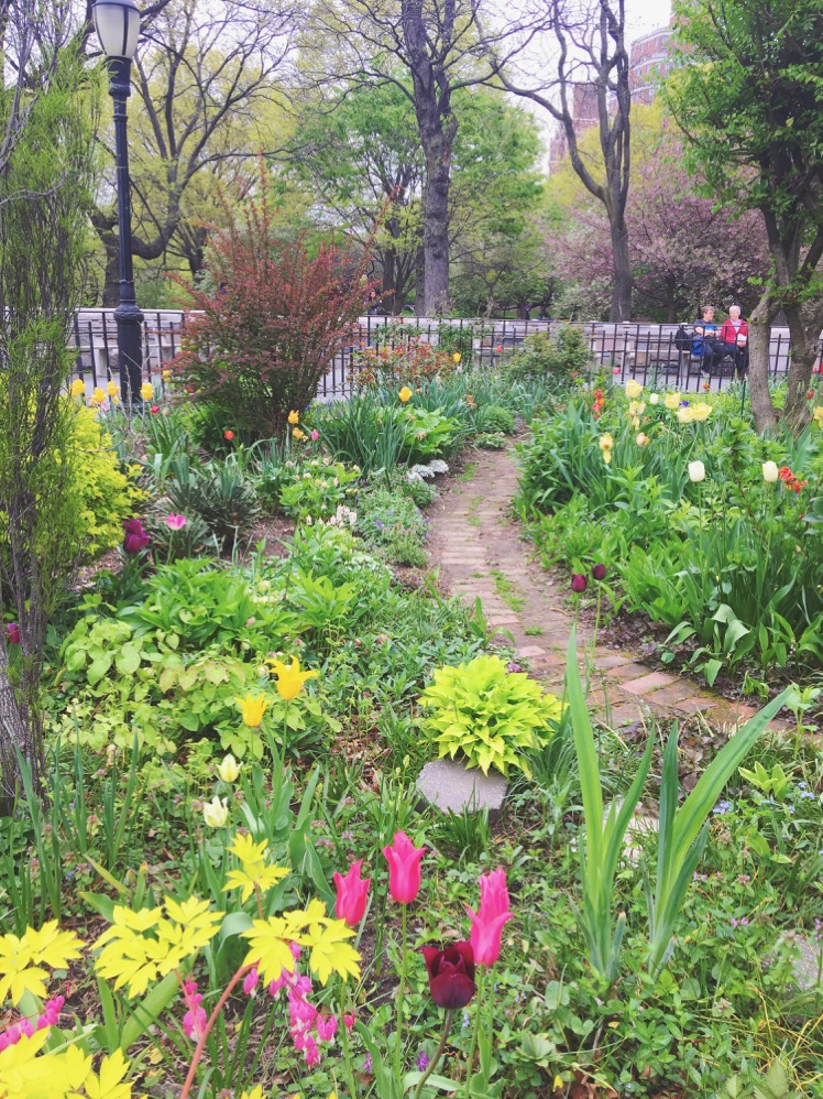 For Any Super Basic Millennial Woman U2013 Raises Hand U2013 One Of Riverside  Parku0027s Must See Spots Is The 91st Street Garden. Yes, Itu0027s Pretty In Its  Own Right But ...